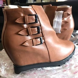 Bella Marie Brown Leather Wedge Booties size 9